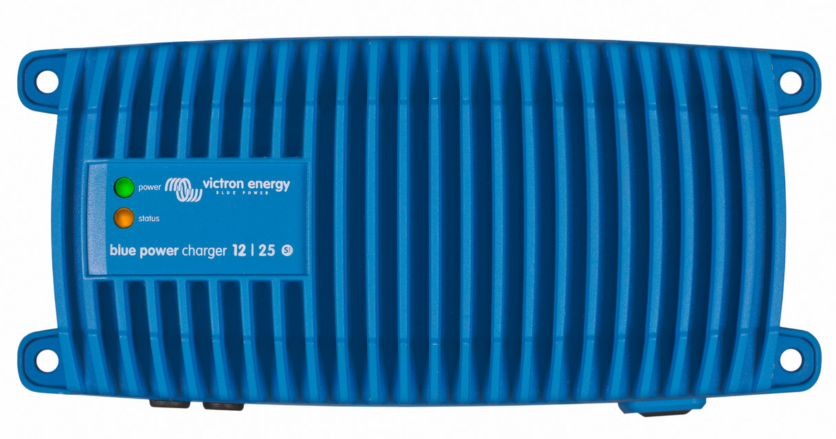Victron Blue Power 12 Volt 17 Amp - IP67 Waterproof (1+Si)